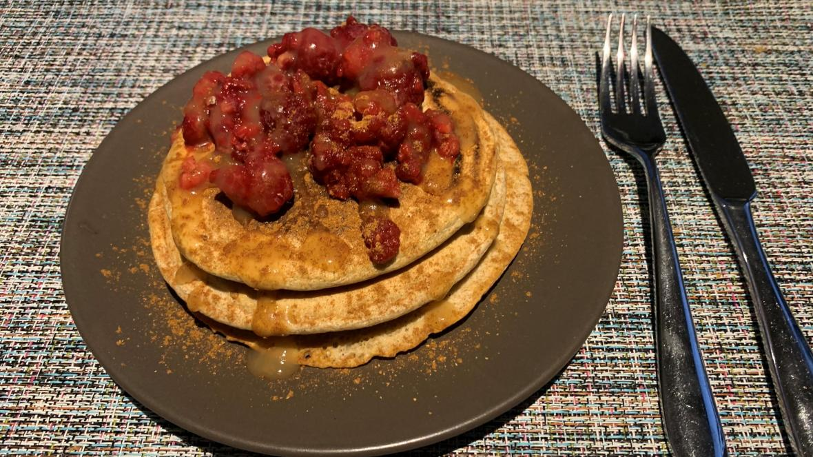 Havermoutpannenkoeken, rood fruit, syroop - Havermoutpannenkoeken, rood fruit, syroo